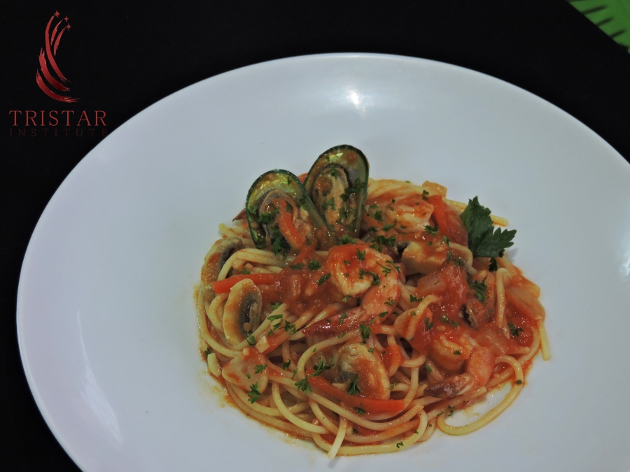 Spaghetti with Shrimp an Mussel-Agri-Satria.JPG